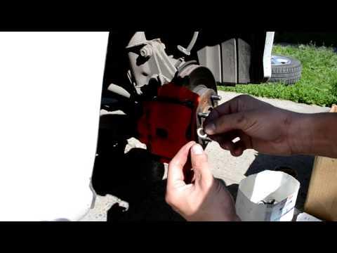 Замена пыльника суппорта Honda Civic Ferio