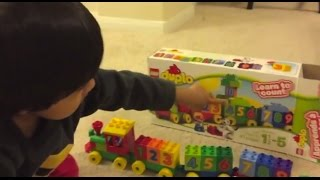getlinkyoutube.com-Kid playing with toys Lego Duplo Number Train Toy Review , Unbox, Build