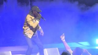 Travi$ Scott se casse la gueule lors de l'Anti World Tour