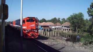 getlinkyoutube.com-Indonesian Coal Train : KA Babaranjang feat CC 205 Locomotives
