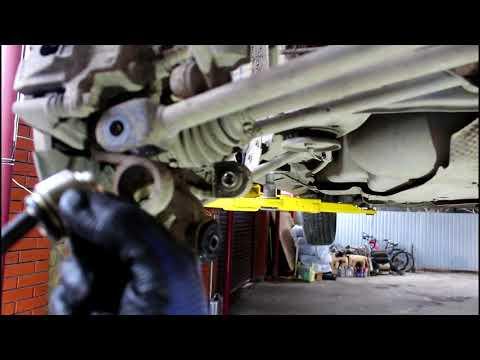 Замена подвижных сайлентблоков задней подвески Toyota Harrier Тойота Харриер 2003 года