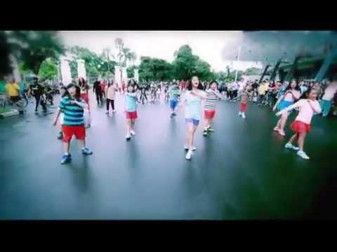 ANAK ANAK DARR - JANGAN REMEHKAN (Official Video HD / Gut Records) Diatas Rata Rata jangan lupa woow - nya.. ^^
