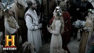 getlinkyoutube.com-Vikings: Recap: Season 2 Episode 7 - Blood Eagle   History