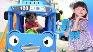 getlinkyoutube.com-타요와 뽀로로를 만났어요! 타요 실내 놀이터 장난감 동요 율동 Tayo Bus Car Kids Cafe Toys Play おもちゃ 라임튜브 Игрушки