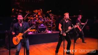 getlinkyoutube.com-Nickelback - Gotta Be Somebody ( Live Nation )