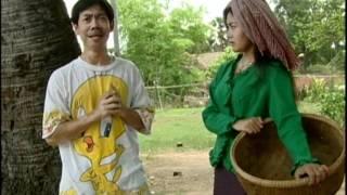 getlinkyoutube.com-khmer comedy-ពាក់អាវមិនដែលឃើញដោះ 2/7