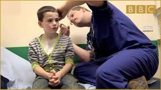 getlinkyoutube.com-Help Me! There's Something Stuck In My Ear! - Bizarre ER - BBC Three