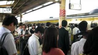 getlinkyoutube.com-総武緩行線錦糸町駅朝ラッシュ(最混雑区間錦糸町→両国)