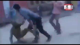 जम्मू-कश्मीर: सेना के जवानों को दौड़ा- दौड़ा कर पीटा, किया पथराव