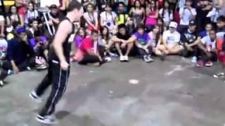 getlinkyoutube.com-مواجهة بين الصغير والكبير في الرقص