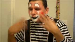getlinkyoutube.com-Clown make up in 12 minutes