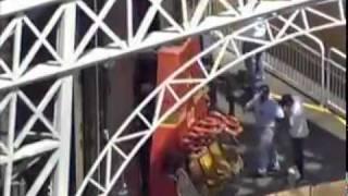 getlinkyoutube.com-Adolescente morre no Hopi Hari no brinquedo Torre Eiffel - 24/02/2012 - Rede Record