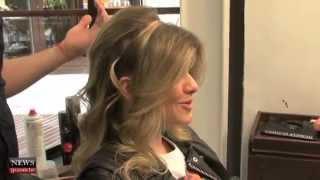 getlinkyoutube.com-Aprenda a fazer uma tiara com seu cabelo, por Manuela Carvalho