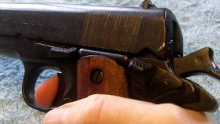getlinkyoutube.com-1911 non-firing replica gun -Denix