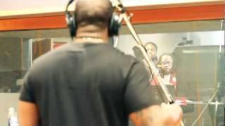 Lil Chuckee (Feat. Mack Maine) - Break Thru