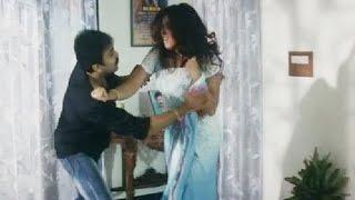 Young Boy Forcing Indian Aunty - Telugu Romantic Scene