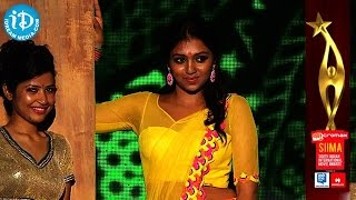 getlinkyoutube.com-Lakshmi Menon Fy Fy Fy Dance Performance@SIIMA 2014, Malayalam