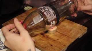 getlinkyoutube.com-Tutorial come tagliare una bottiglia di vetro per fare un bicchiere