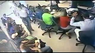 Difunden video de asalto en oficina de aerolínea en Maracaibo