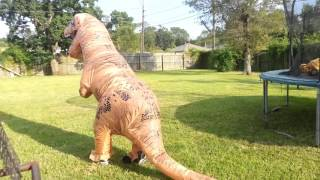 getlinkyoutube.com-Testing my Jurassic World Inflatable T-Rex Costume