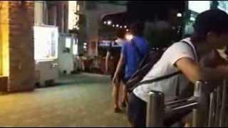 getlinkyoutube.com-유머 개그]현란한 소매치기 기술