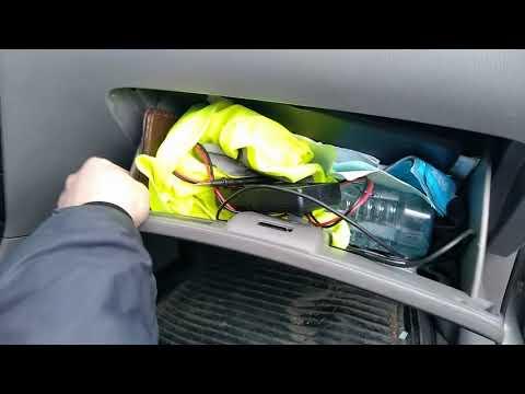 Замена салонного фильтра. Toyota Corolla (120,130 Кузов)