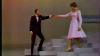 getlinkyoutube.com-Julie Andrews and Gene Kelly - Just In Time