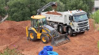 Volvo Backhoe Loader BL61B BL71B Presentation video