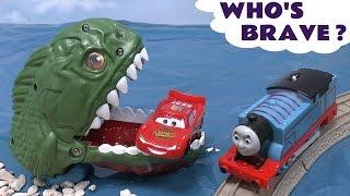 getlinkyoutube.com-Piranha Cars Hot Wheels Thomas & Friends Play Doh Surprise Eggs Halloween Spooky Playdough Dragon