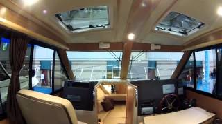 getlinkyoutube.com-Cutwater 28 Family Cruiser toured at Atlantic City Boat Show by ABK Video