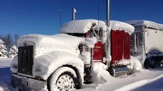 getlinkyoutube.com-Peterbilt 379 cold start in the snow storm
