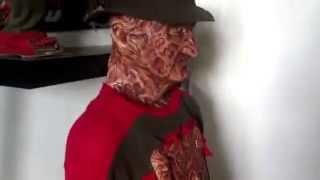 getlinkyoutube.com-Freddy Krueger costume display