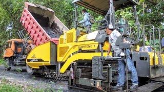 getlinkyoutube.com-Asphalt Paver Sumitomo HA60C Fuso Self Loader Dump Truck Working