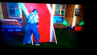 getlinkyoutube.com-Lili Musi se cae en big  brother