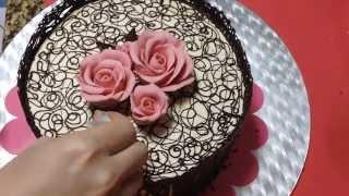 getlinkyoutube.com-شوفو معي كيف زينت كيكة دانتيل الشوكولا :) chocolate lace cake inspired by Julia M usher