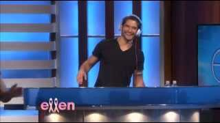 getlinkyoutube.com-Tyler Posey on Ellen (HD)