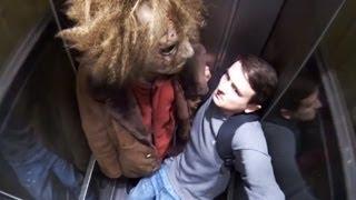 getlinkyoutube.com-7+1 Dinge, die man im Fahrstuhl nicht tun sollte!