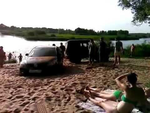 Мазда на пляже