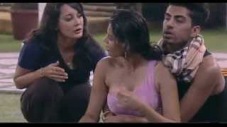 getlinkyoutube.com-Bigg Boss Season 8 11th October 2014 - Sonali Raut Injured!