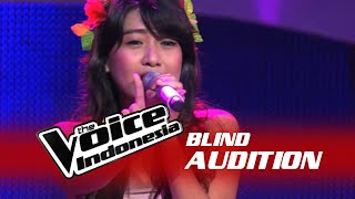 "getlinkyoutube.com-Vanessa Axelia ""Halo"" I The Blind Audition I The Voice Indonesia 2016"