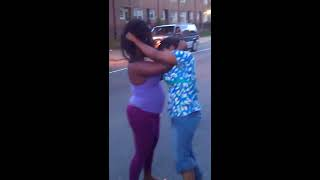 getlinkyoutube.com-Ridge Ave Fight(Big Bitches bite when they hungry)