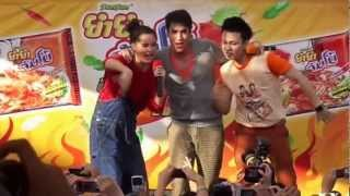 NYCLUB-Nadech Yaya @Chum Phae KK Gangnam Style