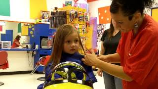 getlinkyoutube.com-Kaitlyn's First Haircut (2yrs10mon Old)