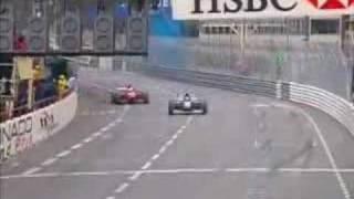 F3000レース。ゴール手前で間違えてマシン停止、すぐ気づいてゴールするも2位