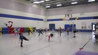 getlinkyoutube.com-Kindergarten Dance: Cha Cha Slide - Physical Education Class