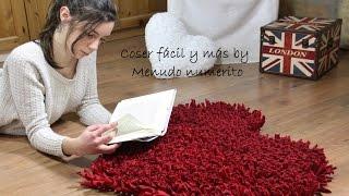 getlinkyoutube.com-Cómo hacer una alfombra de trapillo (a favor de Menudos Corazones)