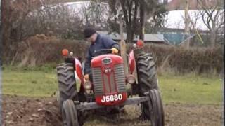 getlinkyoutube.com-Ploughing with a Massey-Ferguson 65 & Lemken plough.