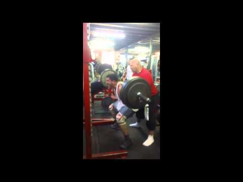 (User Submitted) 19 year old bodybuilder Fawaz Mourad Squats 160kg for 6 reps Genesis Gym (UK) World Champion Powerlifter Dave Beatie Spotting