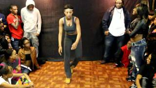 getlinkyoutube.com-3-WAY LADYBUG,JMONEY and QUEEN FEE FEE HIP ROLLING  ( WALA CAM )