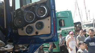 getlinkyoutube.com-HI FI SPL SHOW SU scania r  flli acconcia misano truck 2011